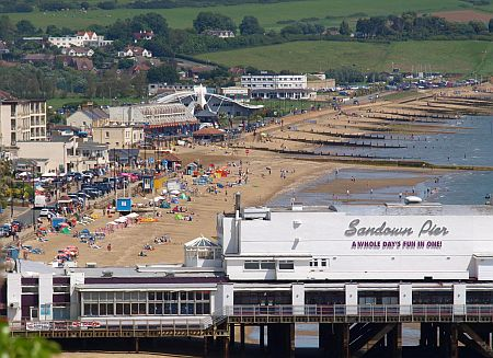 Sandown Beach met pier